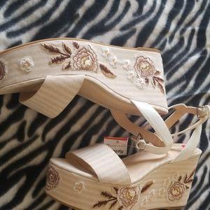 New Wedge w/flowers on heels